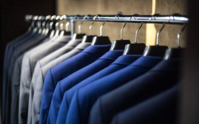 W jaki sposób prać i pielęgnować garnitury?